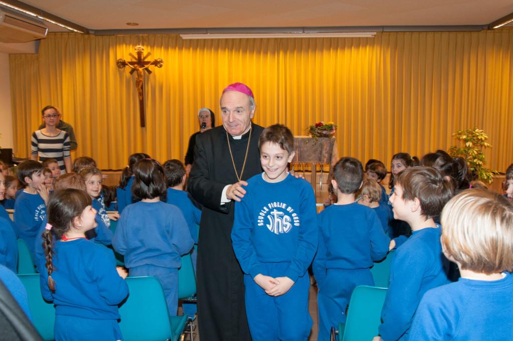 VescovoMassimoCamisascaScuolaFigliedelGesùSantoStefanoReggioEmilia