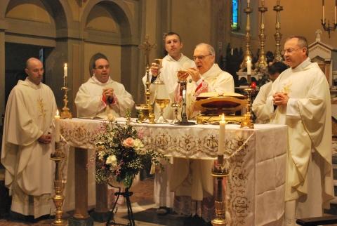 monsignorCamisasca-a-Tagliata-di-Guastalla-per-la-riapertura-della-chiesa-parrocchiale-02