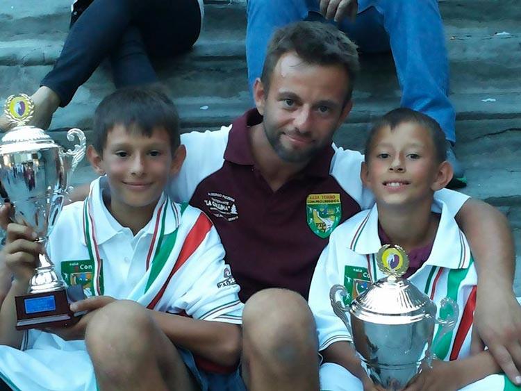 Giacomo-e-Mirko-con-il-padre-allenatore-Teddy-Ceresoli