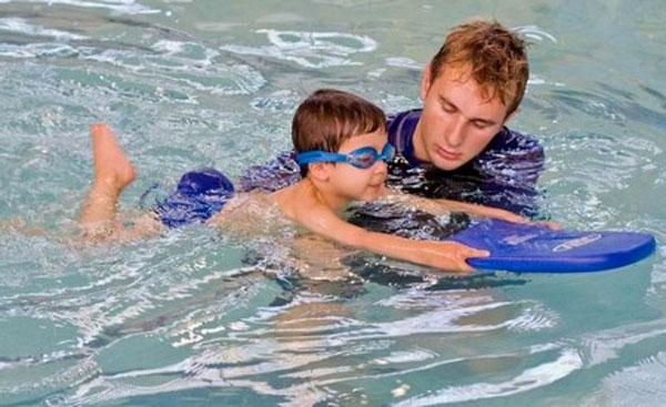 istruttore-di-nuoto