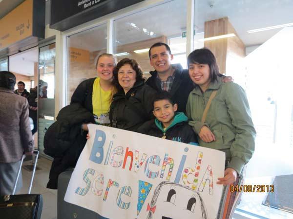 2015_SERENA-CON-LA-FAMIGLIA-ALL'AEROPORTO