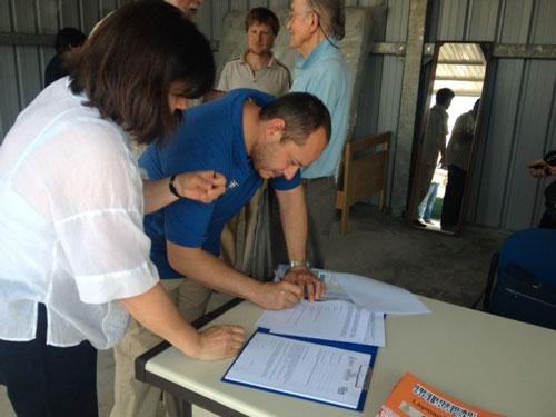 Inaugurazione-centro-riuso-Giravolta---firma-associazioni-