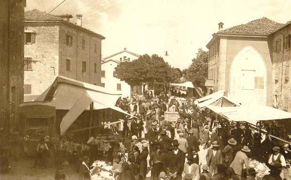 Immagine-d'epoca-della-Fiera-di-San-Giacomo-a-Villa-Minozzo-(foto-Amanzio-Fiorini---Tuttomontagna)
