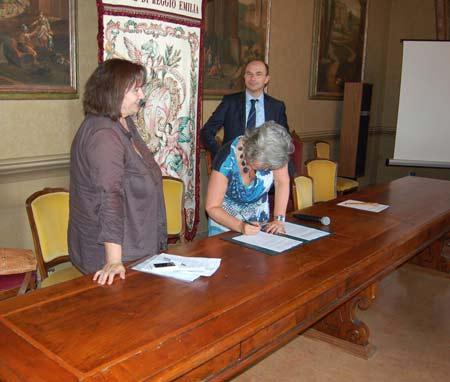 Protocollo-suolo-e-lavoro-agricoli---firma-Caselli-(3.7