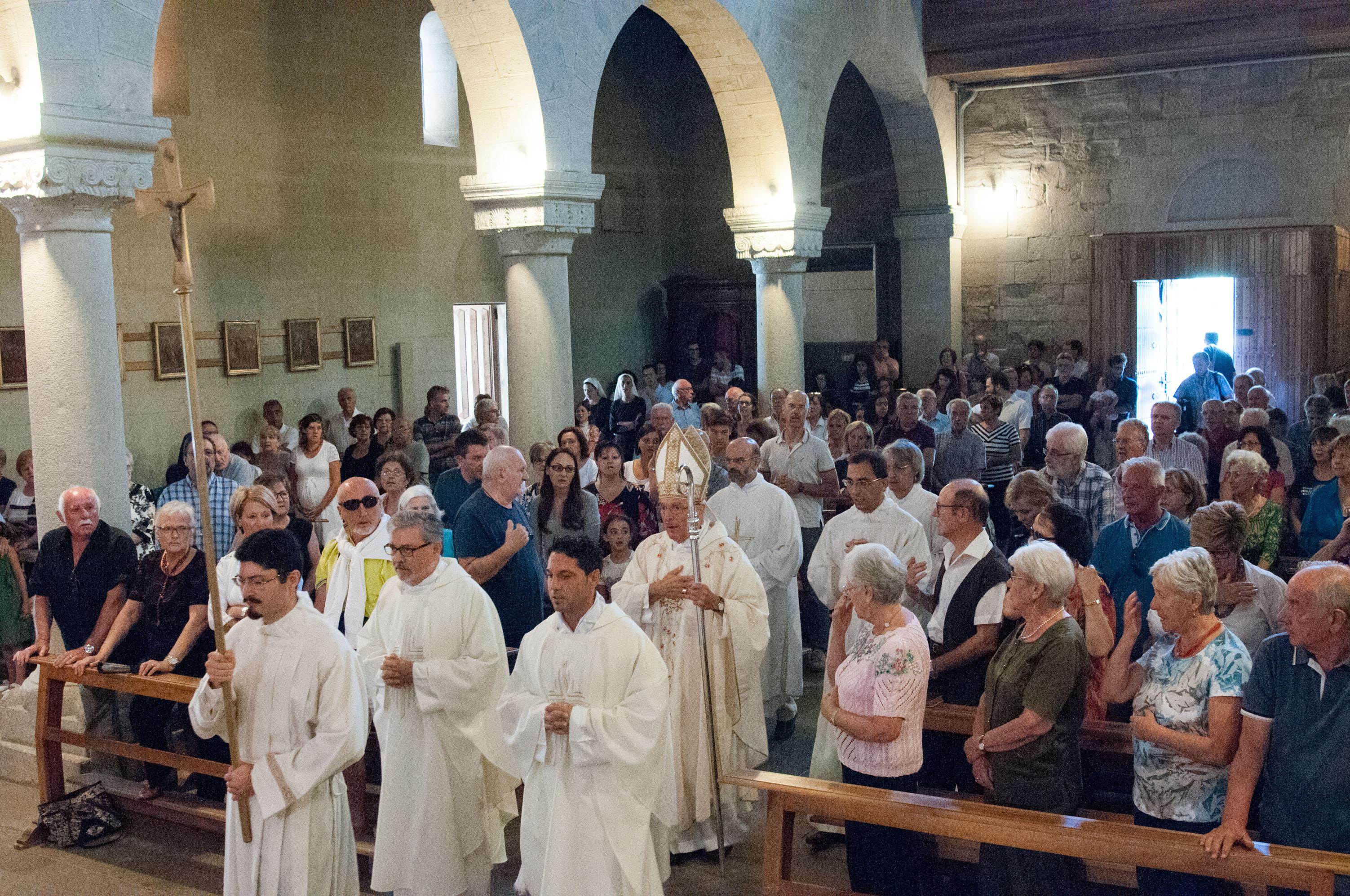 La concelebrazione presieduta da monsignor Camisasca il 15 agosto 2015 a Marola (foto G.M. Codazzi, tutti i diritti riservati)