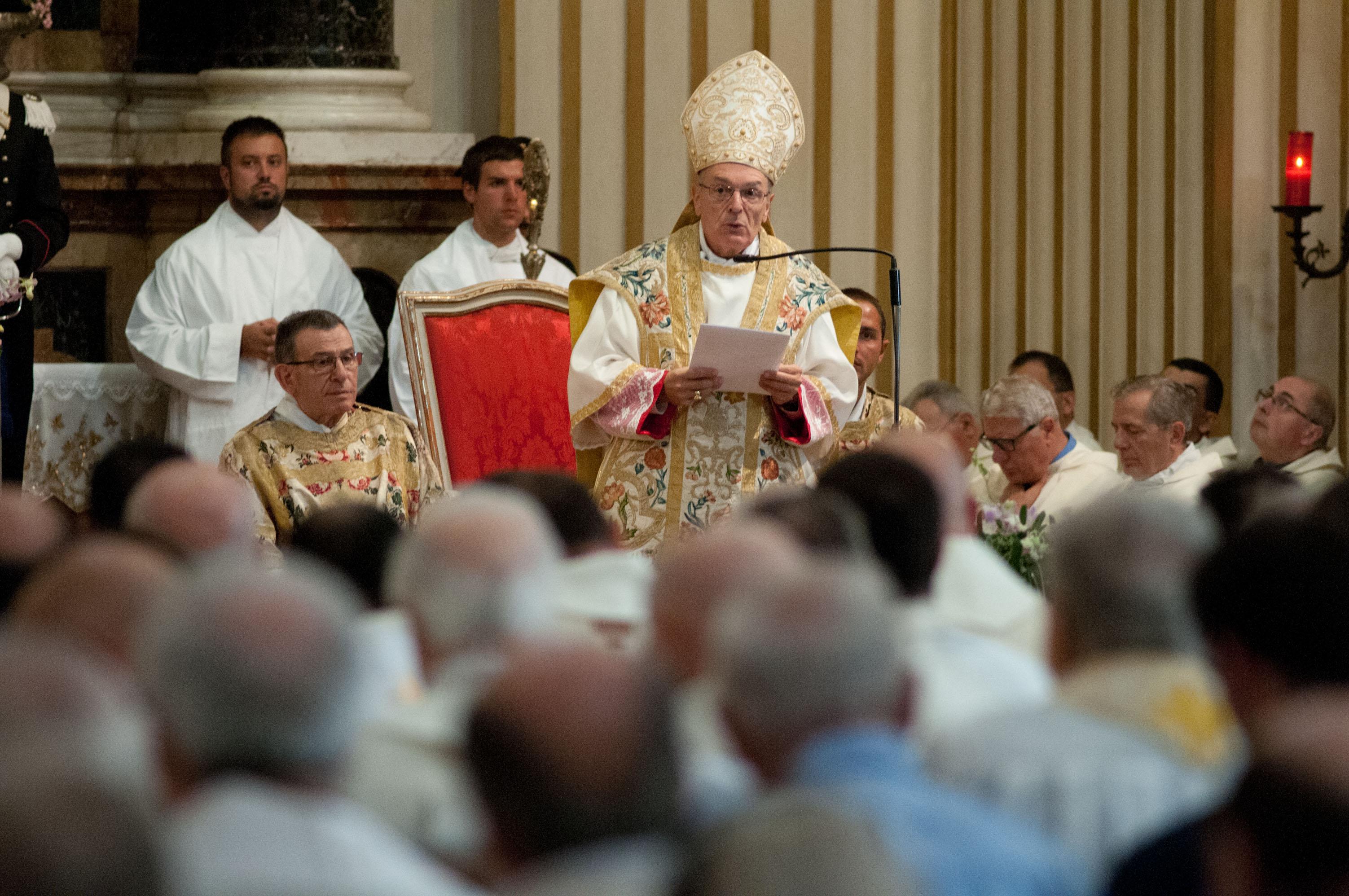 L'annuncio del Giubileo della Misericordia durante il Pontificale in Ghiara dell'8 settembre 2015