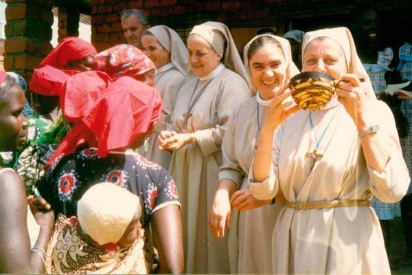 foto-3_-Le-prime-misisonarie-in-Centrafrica_1987