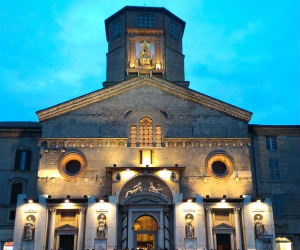 cattedrale-di-sera