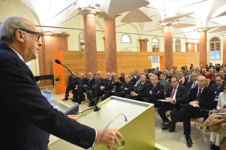 Il Rettore Angelo Oreste Andrisano durante il suo intervento