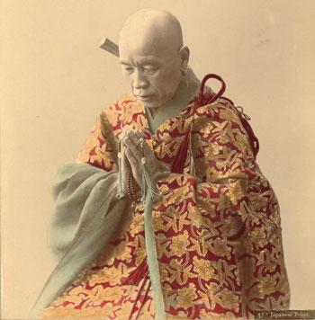 Adolfo-Farsari,-Bonzo-in-preghiera,-1885-circa