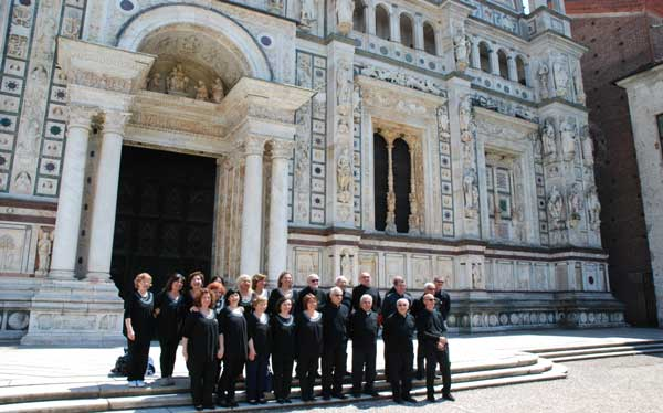 Isicoro-canta-nella-Certosa-di-Pavia---domenica-22-maggio-2016