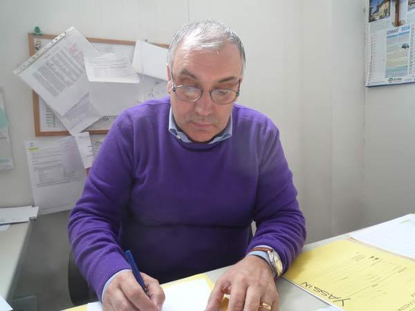 Vittorio-Daviddi-al-tavolo