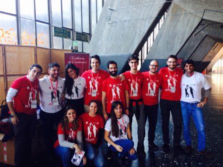 I ragazzi del Rotaract Reggio Emilia con le magliette del service per il CORE