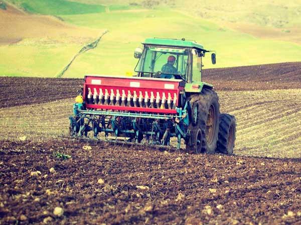 attrezzatura-agricola-rimorchi-arieggiatori-sassuolo