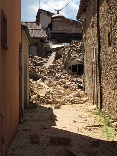 terremotoAmatrice24ago2016_02