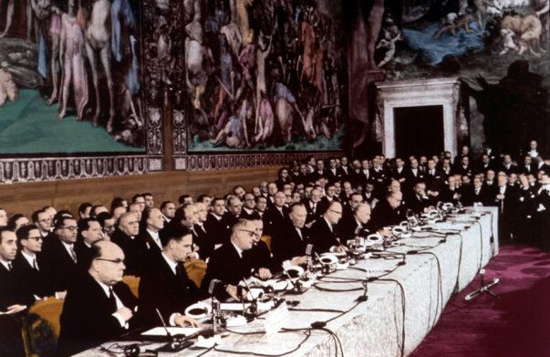 Firma_dei_trattati_di_Roma_(1957)