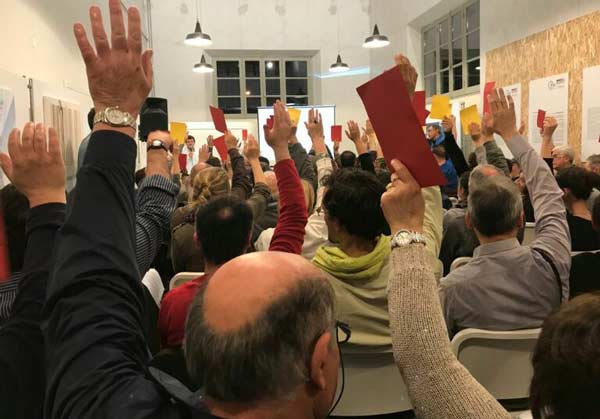 I-soci-de-L'Ovile-in-assemblea