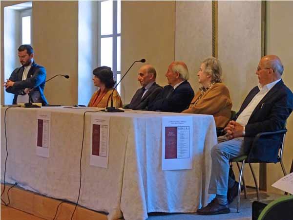 1-tavolo-relatori