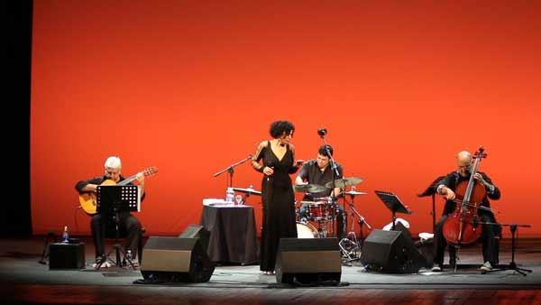 4-Jaques-&-Paula-Morelenbaum-Cello-Trio