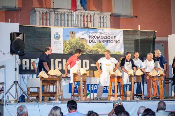 Fiera-del-Parmigiano-Reggiano-di-Casina-foto-Alessandro-Norman-(2)-(Large)