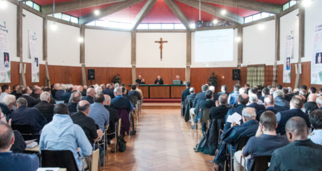 Chiese affidate anche ai laici