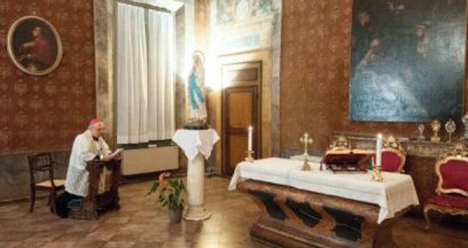 Rosario di venerdì 29 maggio col vescovo Massimo: VIDEO