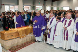 2013-10-24 Funerali don Angelo Melegoni