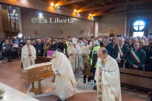 2020-01-06 Funerali don Carlo Lamecchi